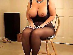 Busty curvy MILF in pantyhose heeljob