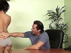 Tennis coach offers help