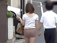 Japanese MILF groped