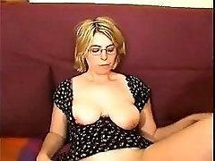 Amateur Mature Really Likes Being Fisted