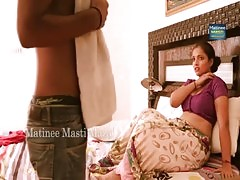 Mallu aunty kissing and boob press