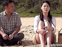 AzHotPorn com Asian Sugarcane Field MILF Outdoor Sex