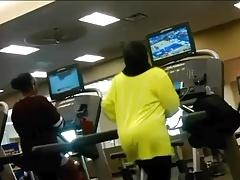 Candid Phat ass Arabic milf workout p1