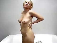 Horny mature lady take it in pussy and ass