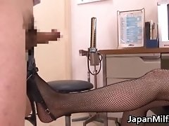 Akiho yoshizawa doctor loves getting pussy licked 2 by