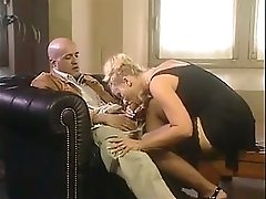 Two italian businesswomen double fucking with two customers
