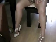 Pantyhose Jo Shows Off Her Miniskirt Legs