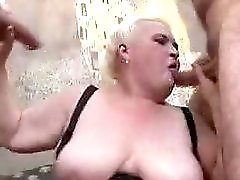 Chunky Mature Babe In A 3some