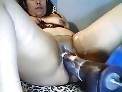 HORNY LATINA CUMMING ON FUCKING MACHINE