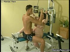 Fat slut fucked in a gym